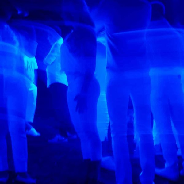 blue-light-1869254_1920-2.jpg